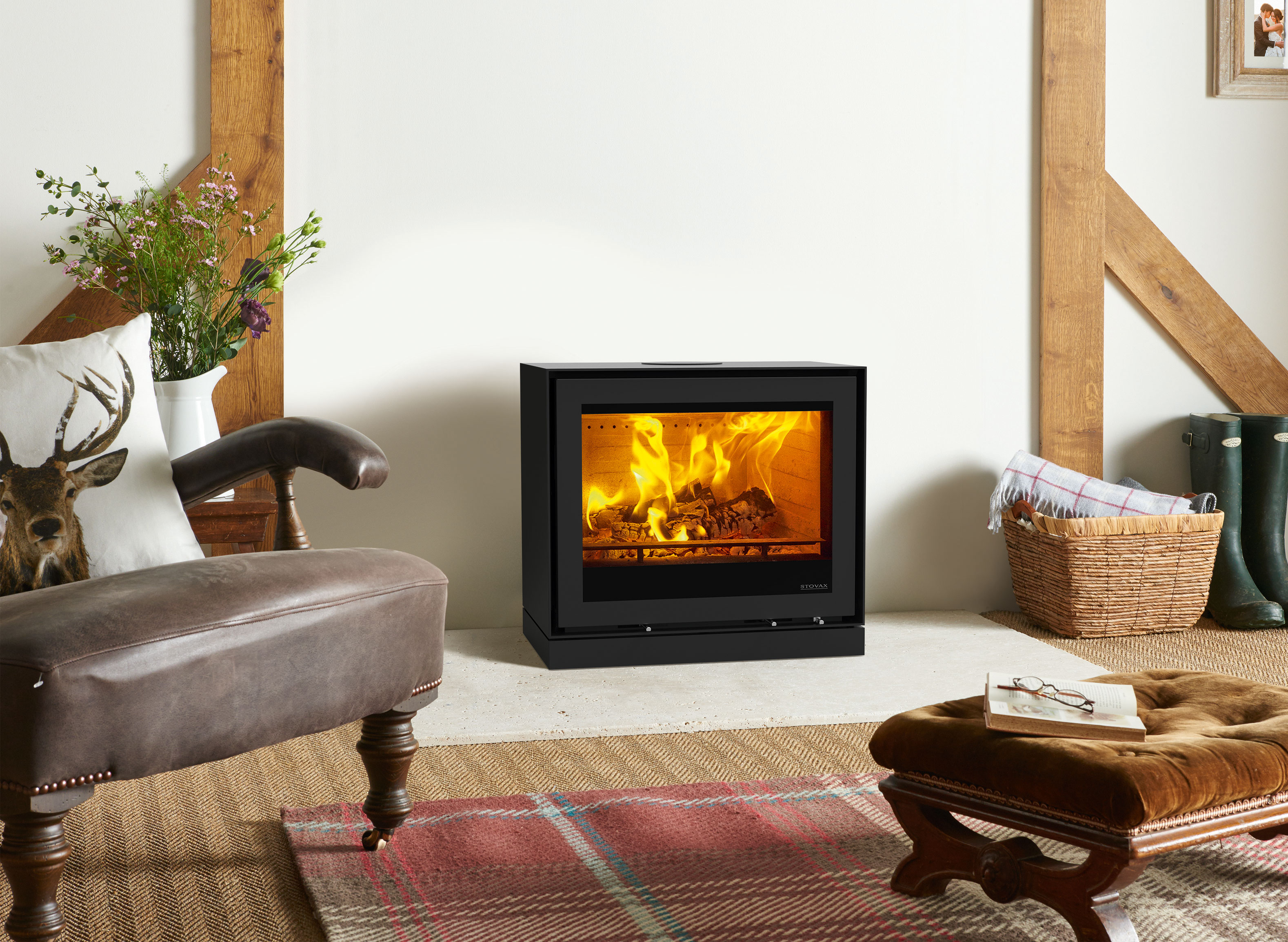 Freestanding-Elise-680-steel-with-Plinth-Woodburning-(Rear-Flue)