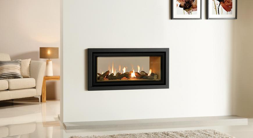 L'insert à gaz Studio 2 Duplex de Gazco avec revêtement de foyer Vermiculite et cadre Profil en anthracite