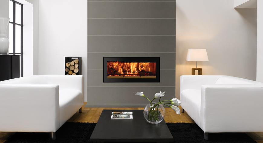 L'insert Studio 2 Edge de Stovax avec cadre sans contour Edge et carreaux d'habillage de cheminée Pretoria Anthracite mat 60 x 30 cm de Stovax.
